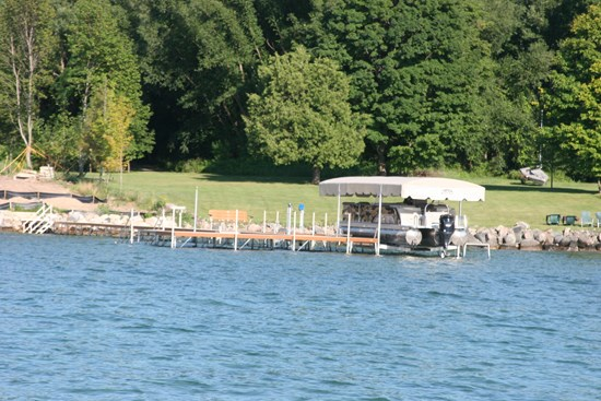Free Standing Pontoon Lift 12