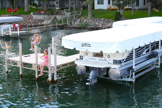 Free Standing Pontoon Lift 14