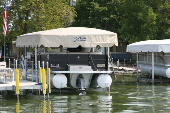 Free Standing Pontoon Lift 11